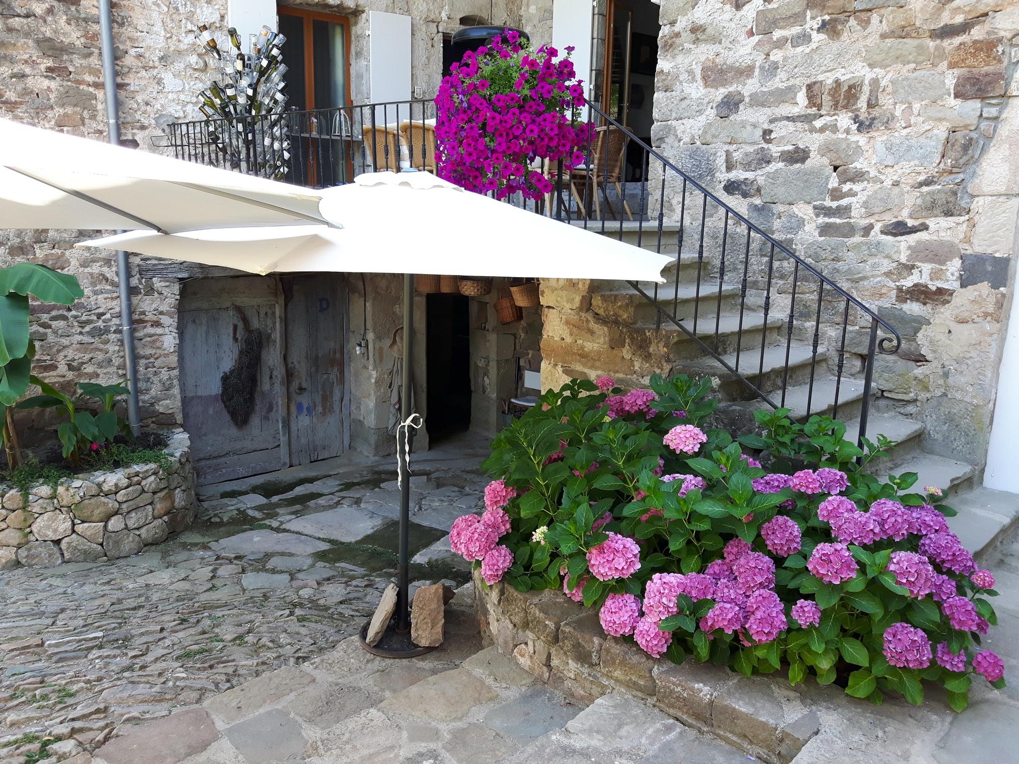 Gîte Grand Paradis (Art en Route) à Chassiers, Ardèche (France)