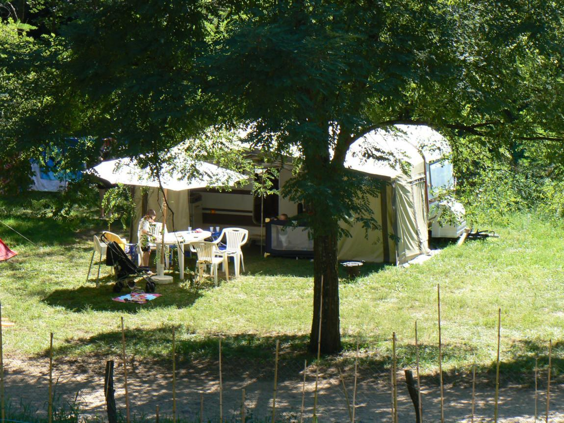 Camping les Acacias – Uzer