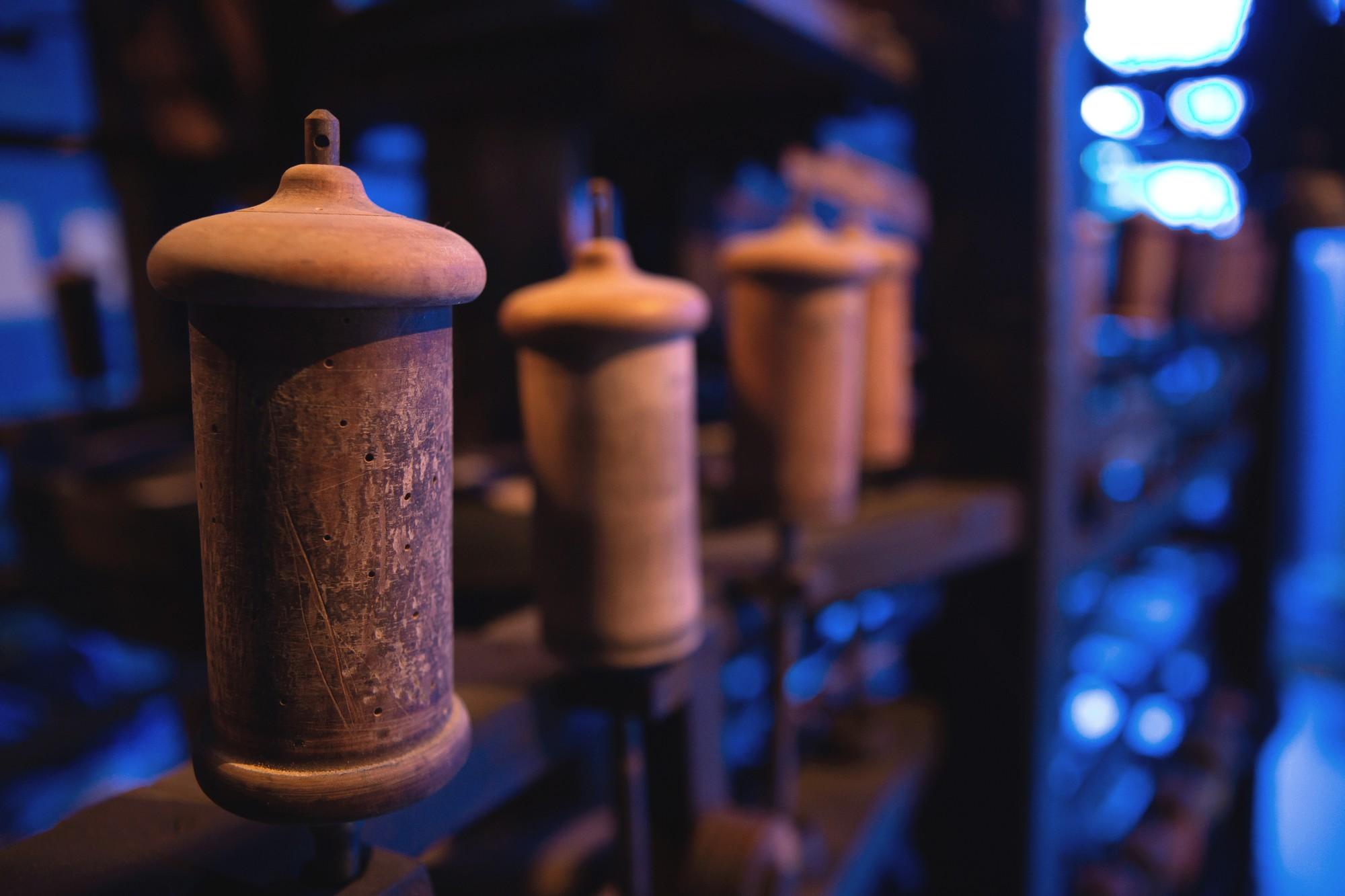Chirols – Écomusée du moulinage – Bobines de fil 2
