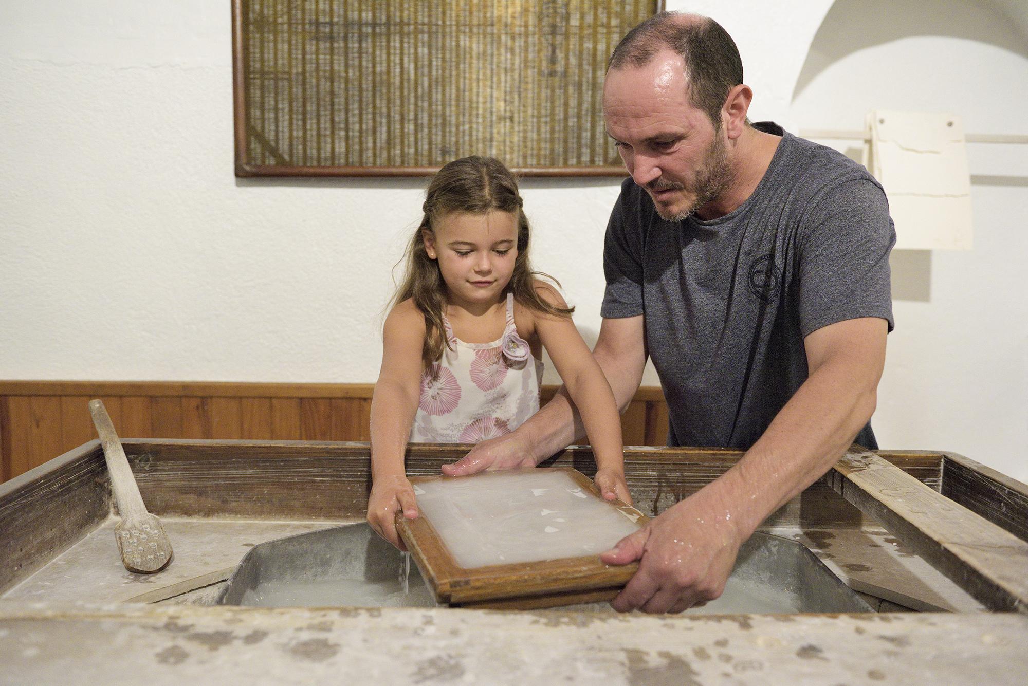 Atelier papier au Musée des Papateries Canson et Montgolfier